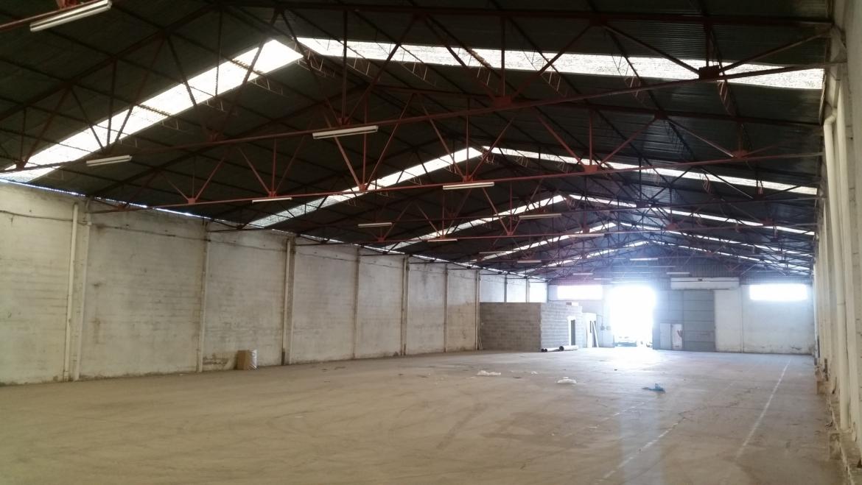 Se Alquila Nave industrial de 1100 m2 en Asegra