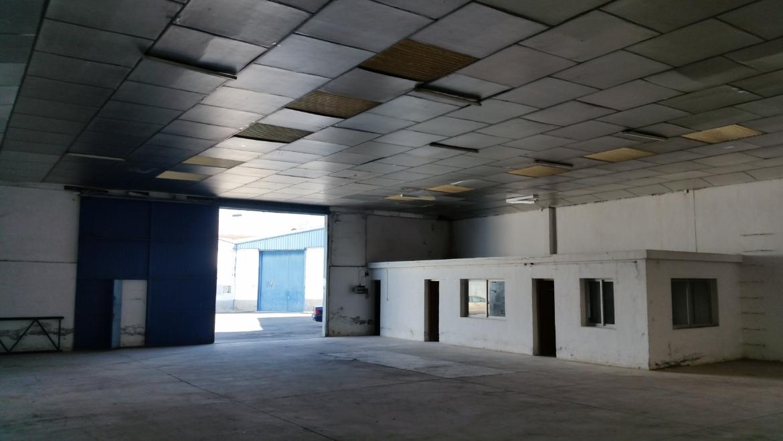 Se Alquila Nave industrial 371 m2 construidos en Pl. Ind. Asegra