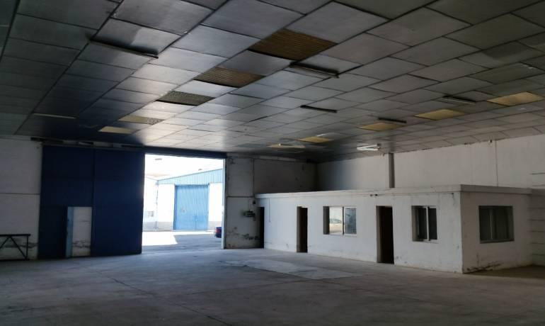 Se Alquila Nave industrial 371 m2 construidos en Asegra, Granada