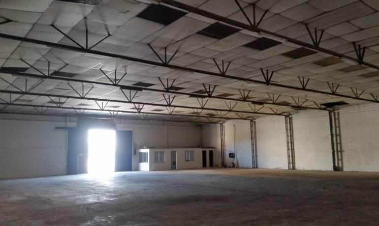 Se Alquila Nave industrial de 1113 m2 en Asegra, Granada